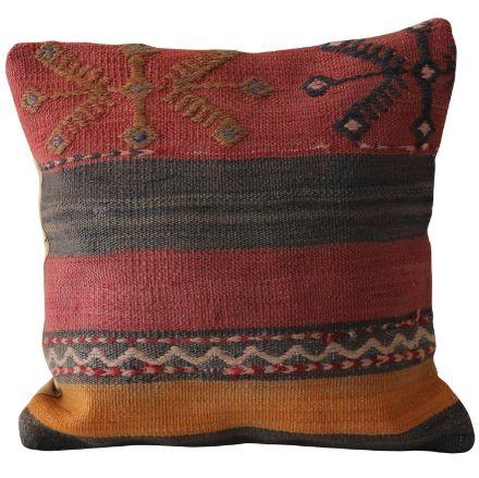 Vintage-Inspired-Throw-Kilim-Pillow 1